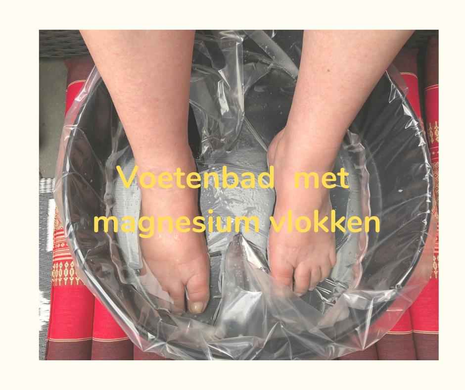 Voetenbad met magnesium vlokken massage Herma Harfsen